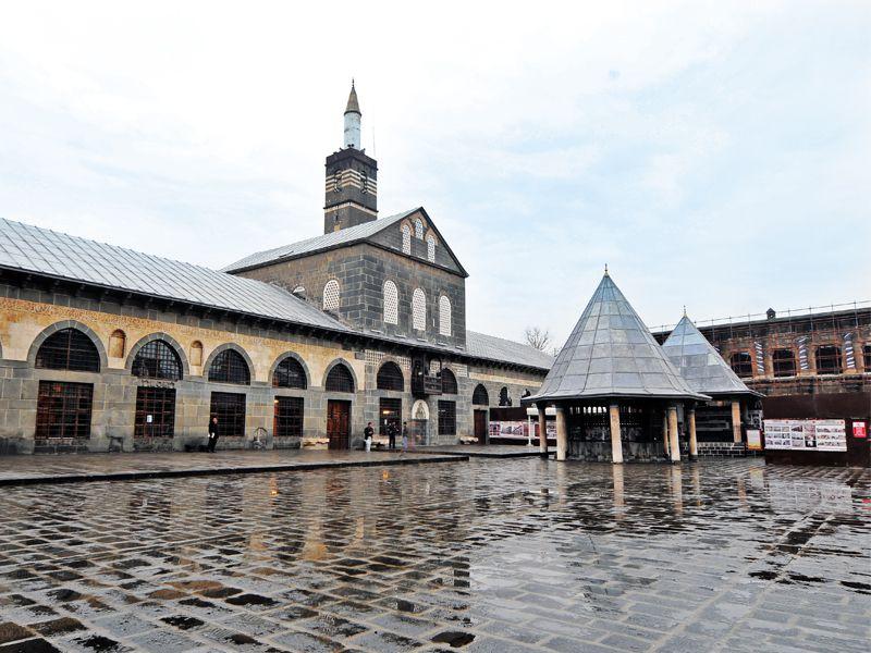 Мечеть Улу — старейшая мечеть Анатолии